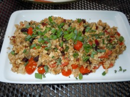 """Tempeh """"Nacho"""" Dip with tomatoes and Mexicanseasoning"""