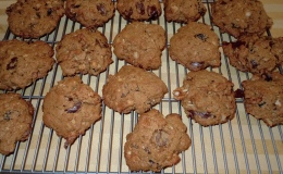 Organic spelt/sprouted flour/coconut palm sugar chocolate chip cookies